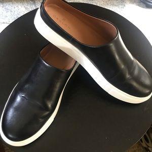 Like new Caslon slip-on platform sneaker